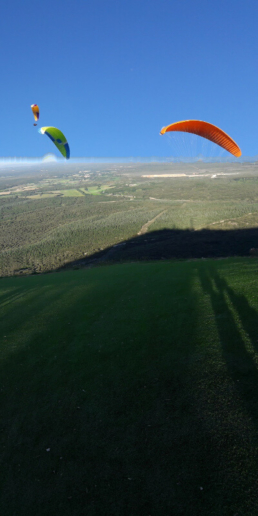 Stage parapente initiation au mont bouquet - Stagiaires en vol